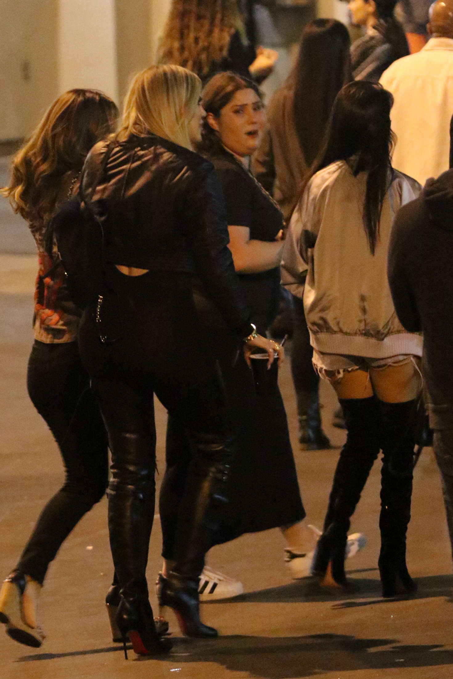 Khloe Kardashian 2016 : Khloe Kardashian at Beyonce Concert -03