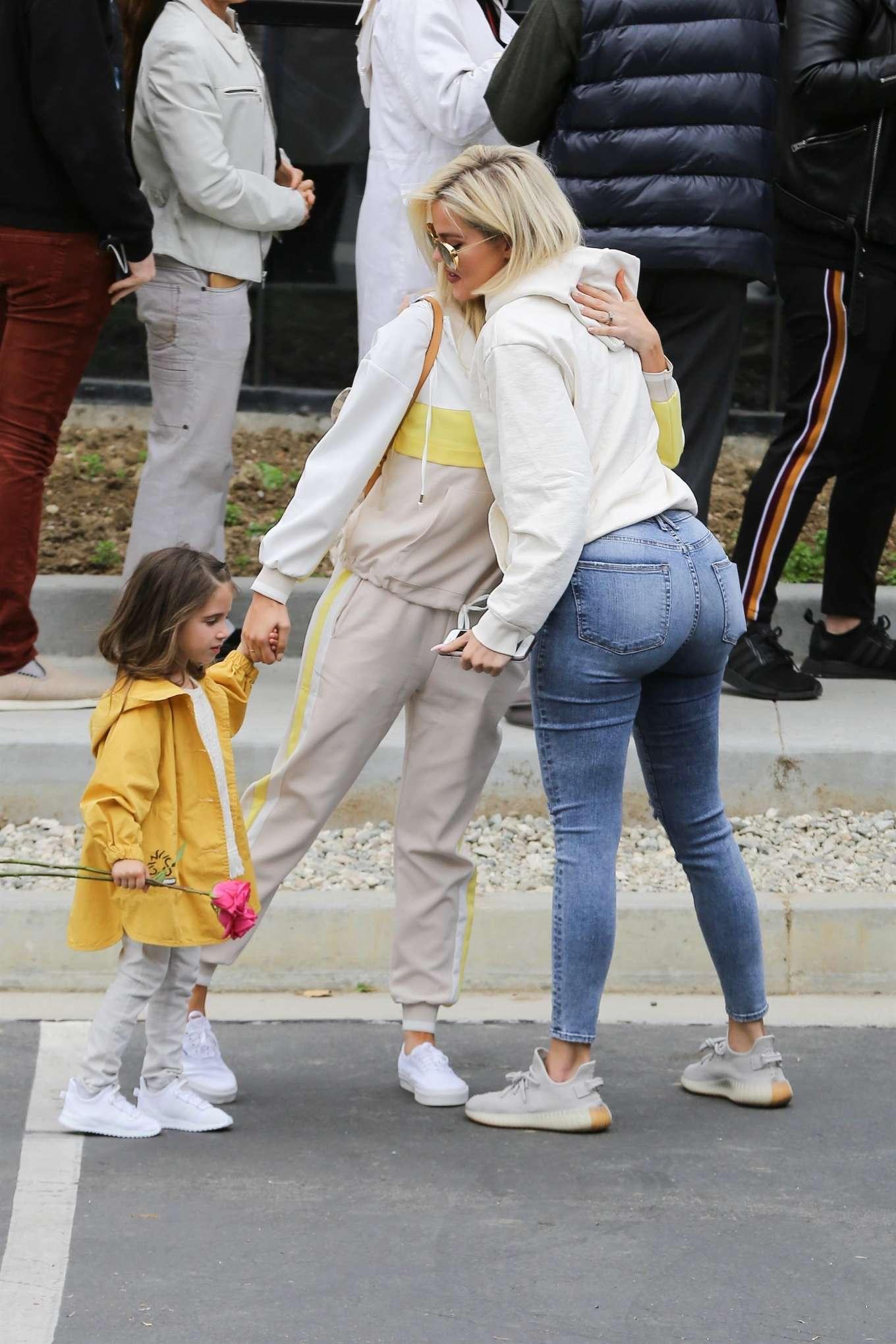 Khloe Kardashian 2019 : Khloe Kardashian at Kanye Wests Sunday church services-09