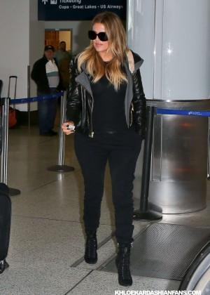 Khloe Kardashian Booty in Jeans -03