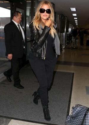 Khloe Kardashian Booty in Jeans -04