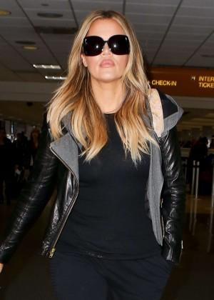 Khloe Kardashian Booty in Jeans -08