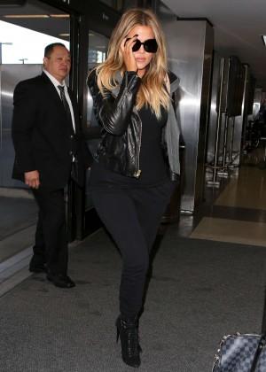 Khloe Kardashian Booty in Jeans -09