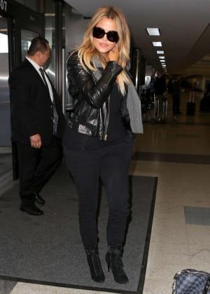Khloe Kardashian Booty in Jeans -10