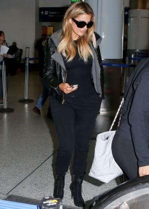 Khloe Kardashian Booty in Jeans -11