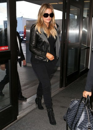 Khloe Kardashian Booty in Jeans -16