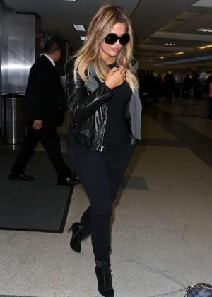 Khloe Kardashian Booty in Jeans -23