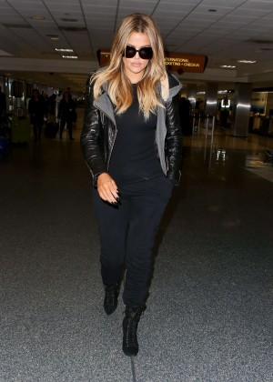Khloe Kardashian Booty in Jeans -25