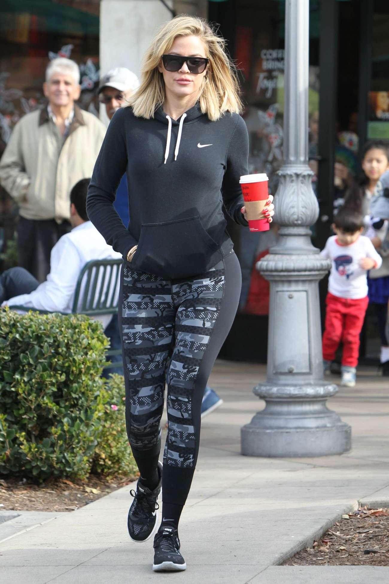 Khloe Kardashian At Starbucks For A Coffee In Calabasas