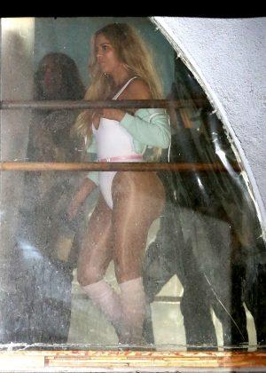 Khloe Kardashian at the dance studio in West Hollywood