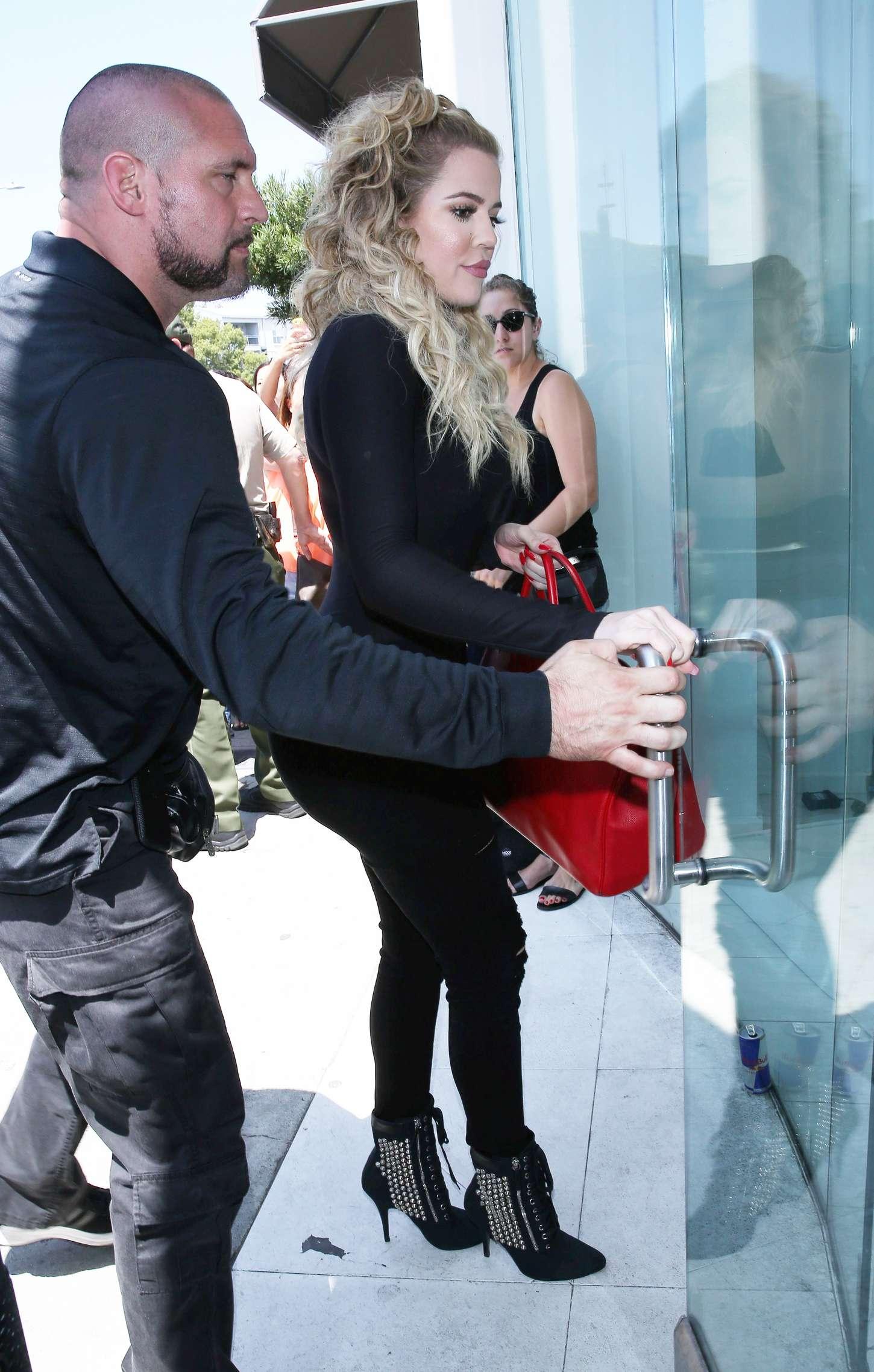 Khloe Kardashian 2015 : Khloe Kardashian at DASH Store -07