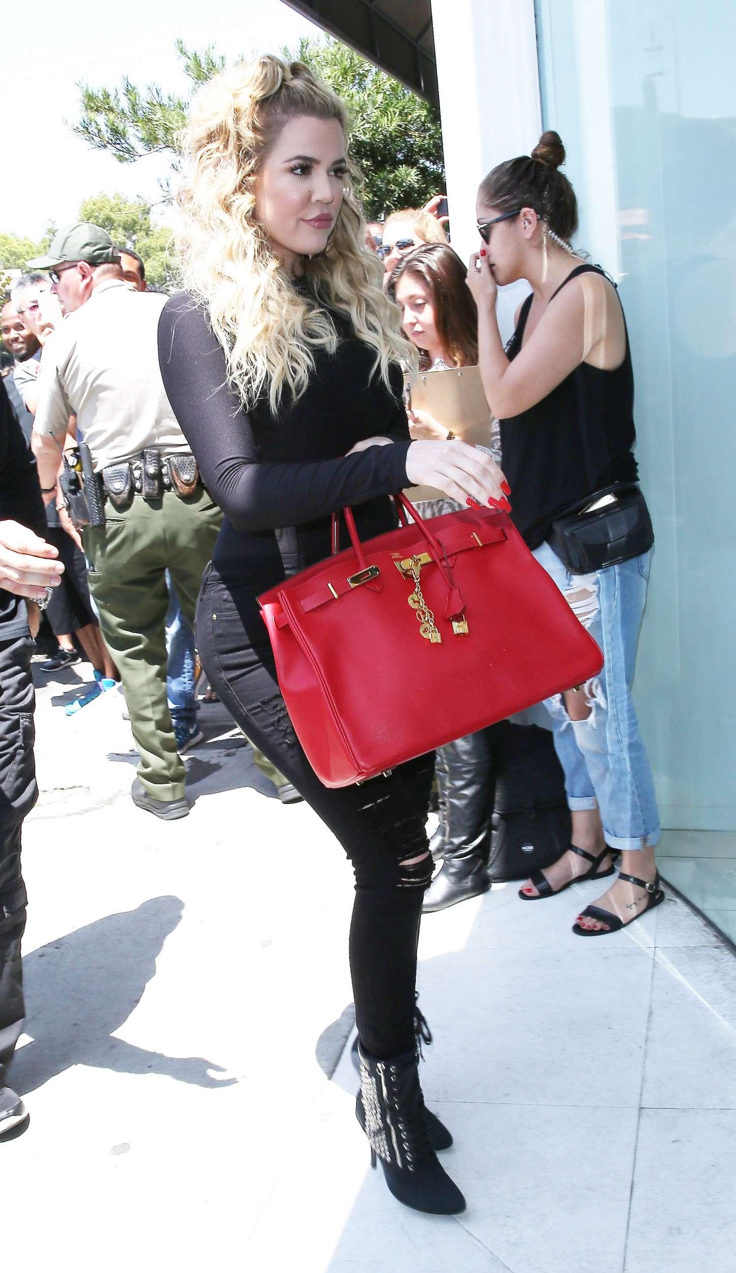 Khloe Kardashian 2015 : Khloe Kardashian at DASH Store -12