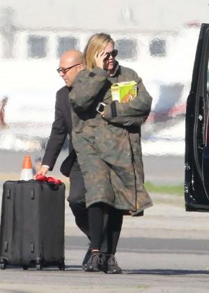 Khloe Kardashian Flew back to Los Angeles