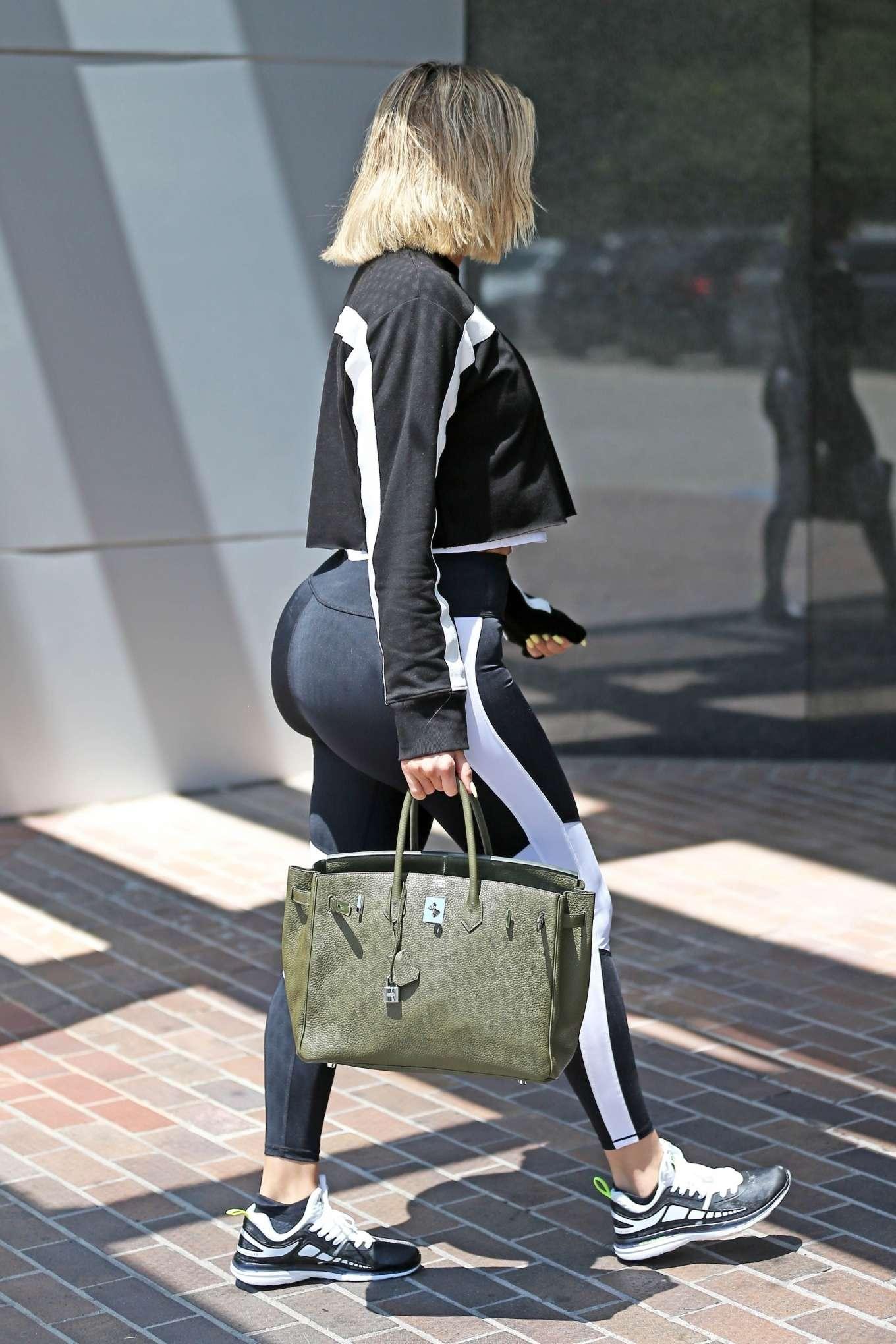 Khloe Kardashian - Hits the gym in Los Angeles