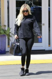 Khloe Kardashian - Hits up the dentist in Los Angeles
