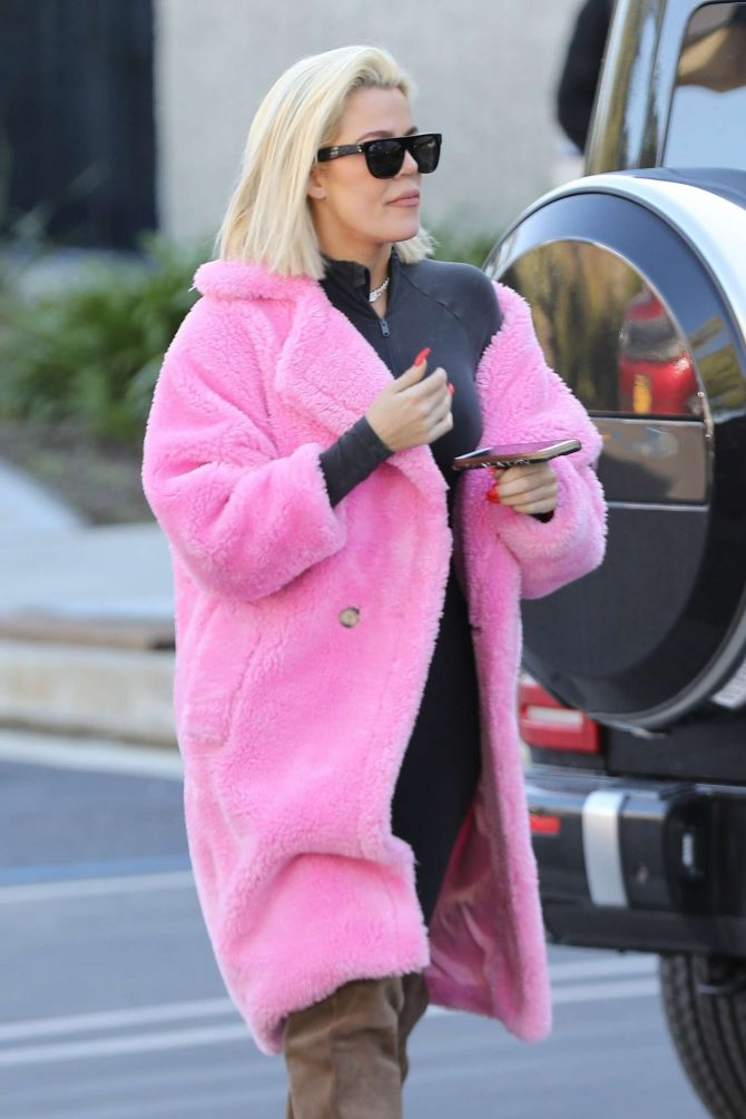 Khloe Kardashian in Pink Fur Coat - Out in Calabasas