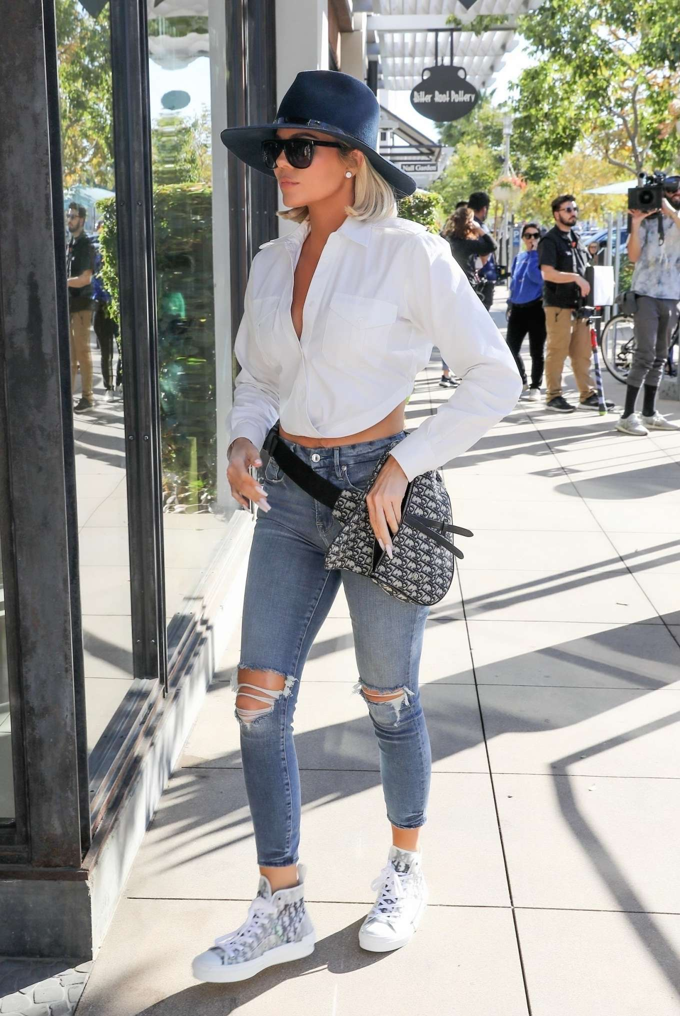 Khloe Kardashian in Ripped Jeans - Out and about in Woodland Hills