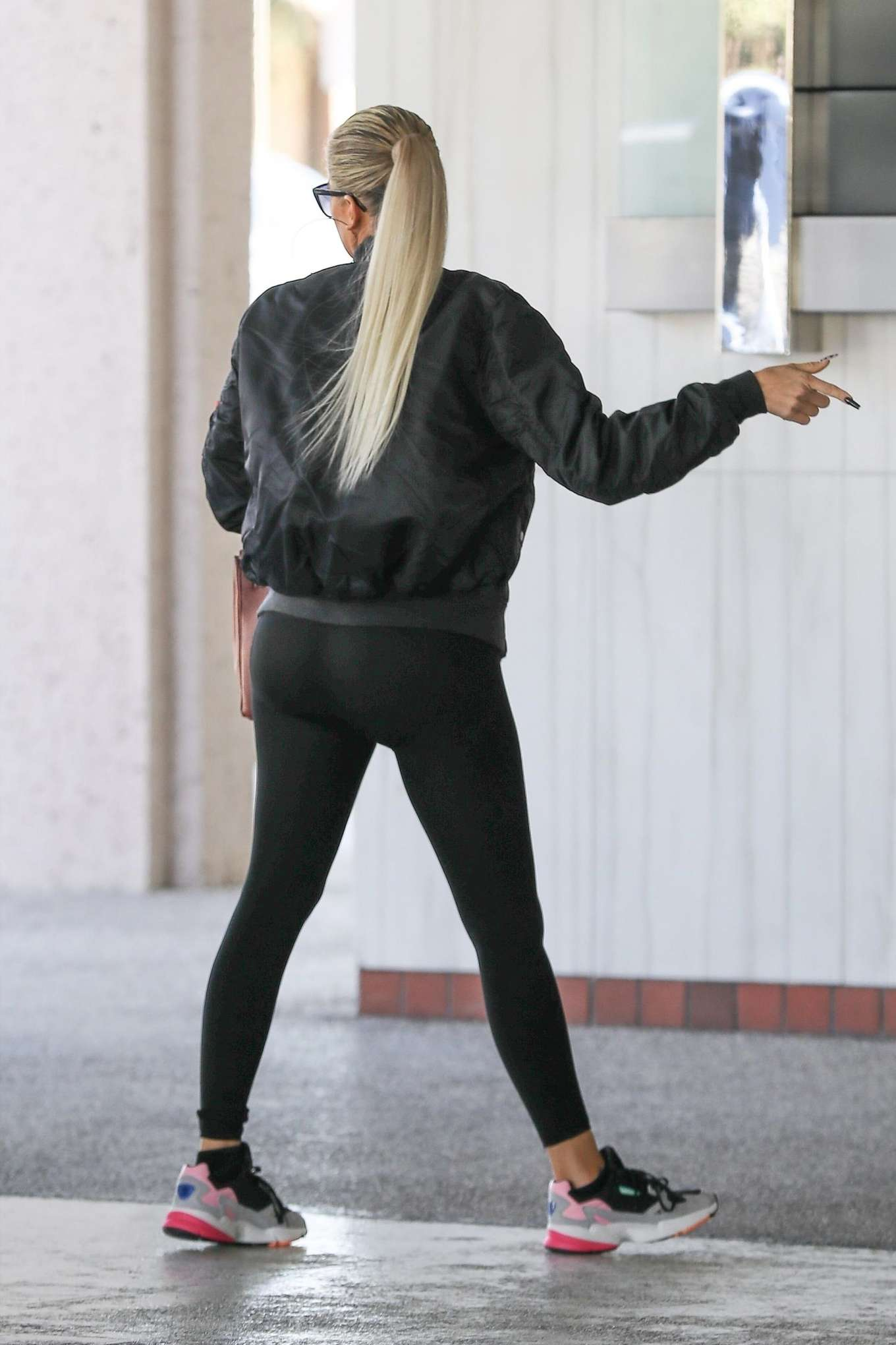 Khloe Kardashian in Spandex - Arriving at a Doctor's office in Los Angeles