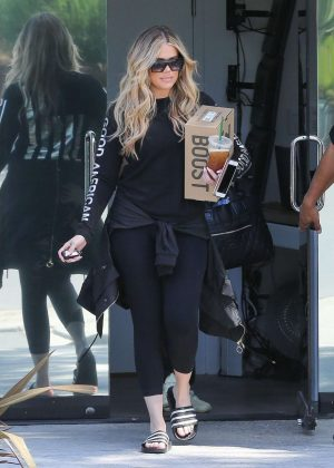 Khloe Kardashian in Spandex - Out in Calabasas