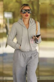 Khloe Kardashian in Sweatsuit - Out in Calabasas