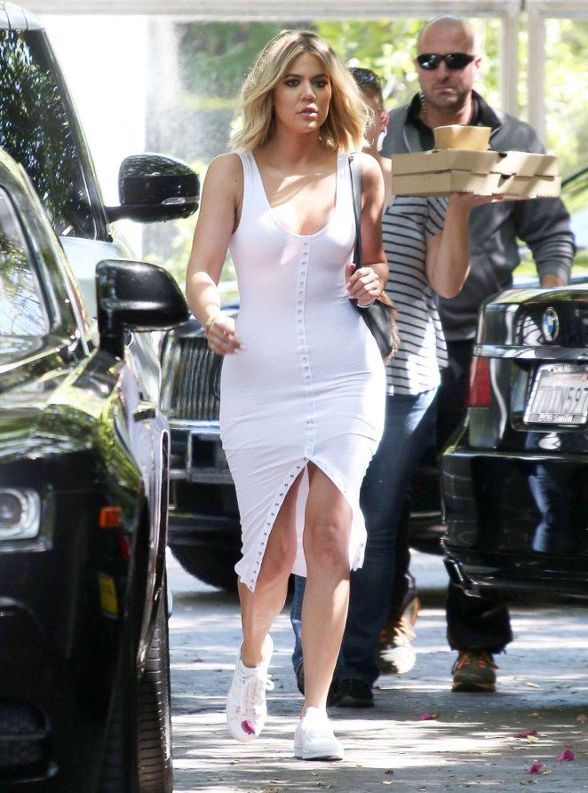 khloe kardashian in white dress 15 gotceleb