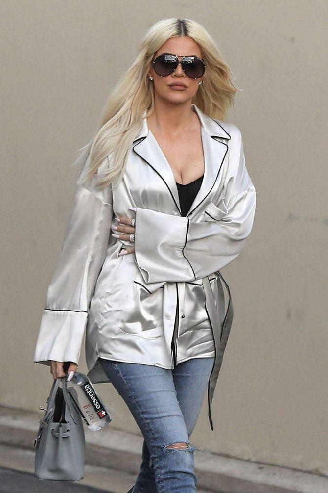 Khloe Kardashian - Leaving a studio in Calabasas