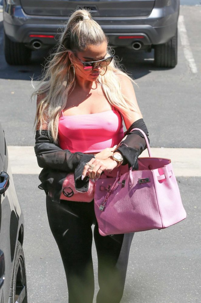Khloe Kardashian - Leaving a studio in LA