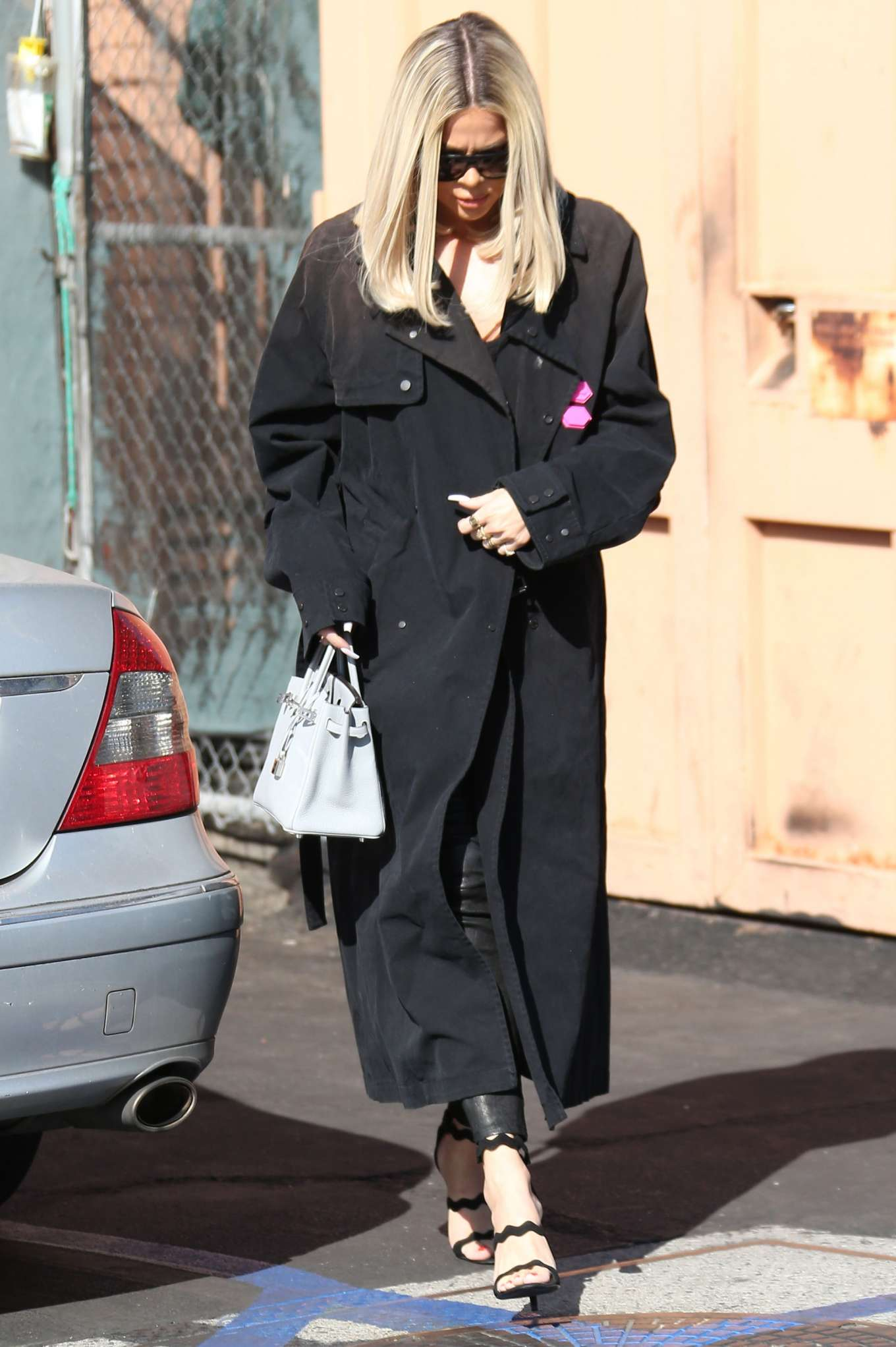 Khloe Kardashian 2019 : Khloe Kardashian – Leaving Emilios Trattoria Italian restaurant-09