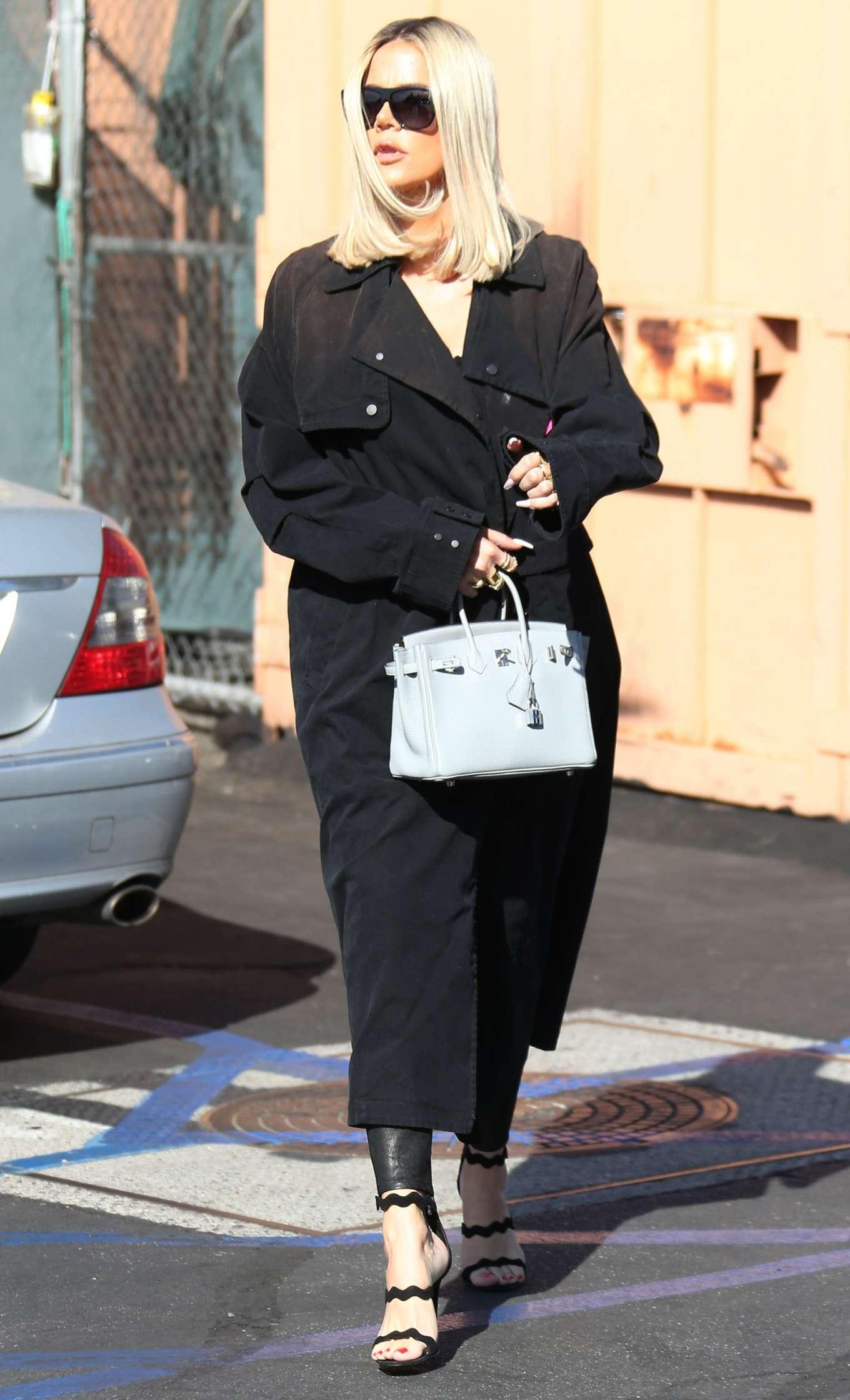 Khloe Kardashian 2019 : Khloe Kardashian – Leaving Emilios Trattoria Italian restaurant-10