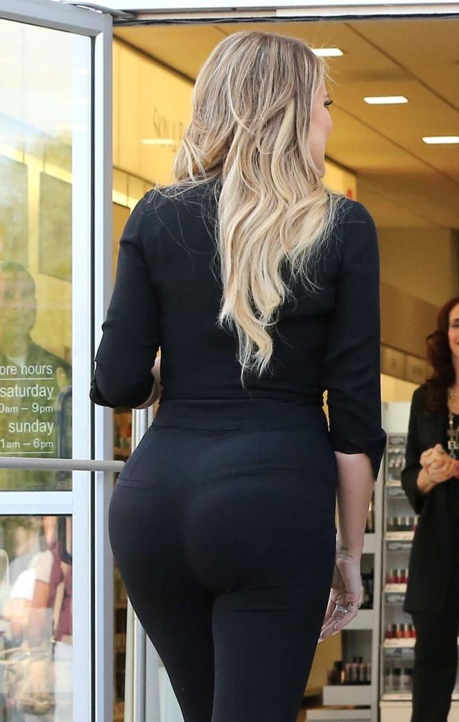 Khloe Kardashian Booty in Tights -19