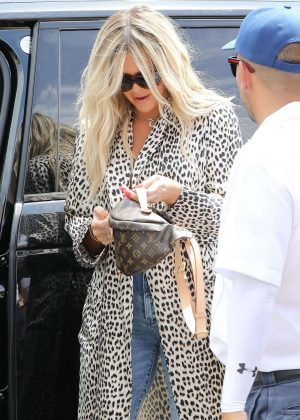 Khloe Kardashian - Out for Lunch in Sherman Oaks