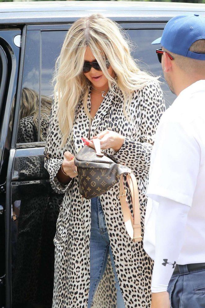 Khloe Kardashian - Out for Lunch in Sherman Oaks