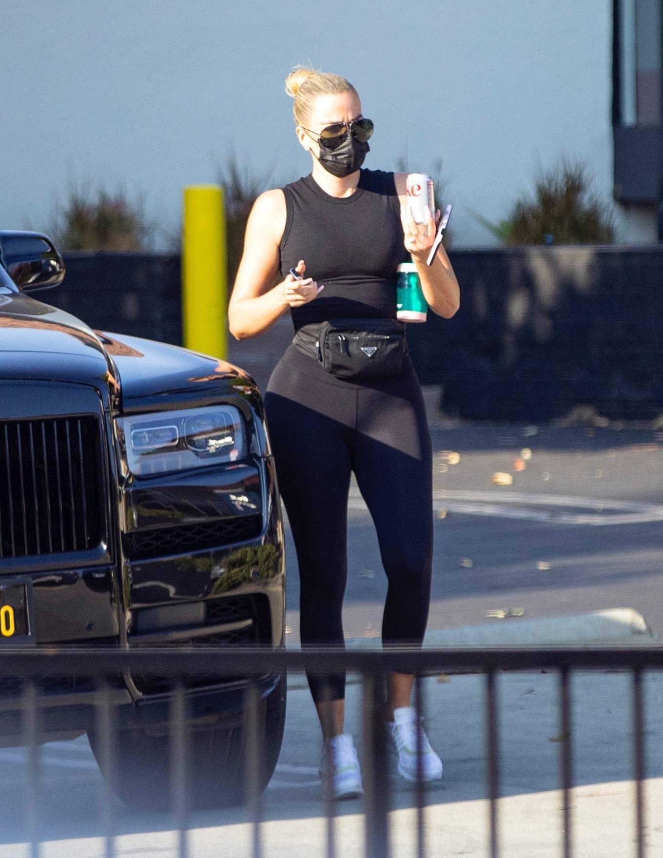 Khloe Kardashian - Seen in Los Angeles