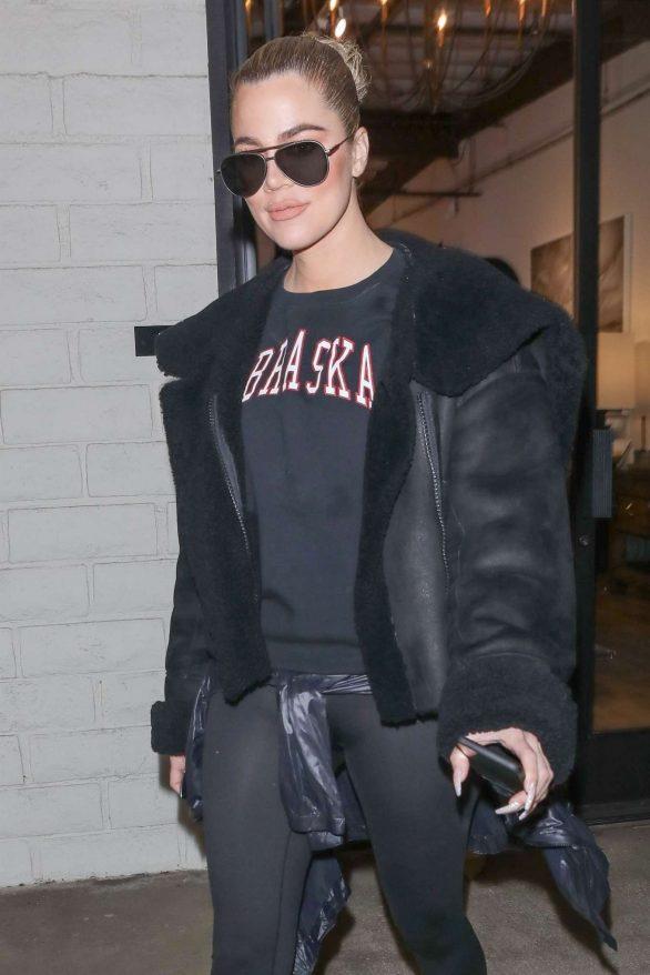Khloe Kardashian - Shopping at favorite KUWTK store in LA