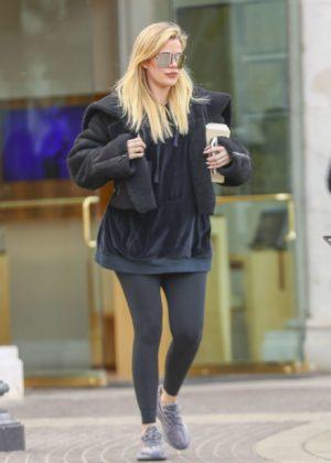 Khloe Kardashian - Shopping at Polacheck's Jewelers in Los Angeles