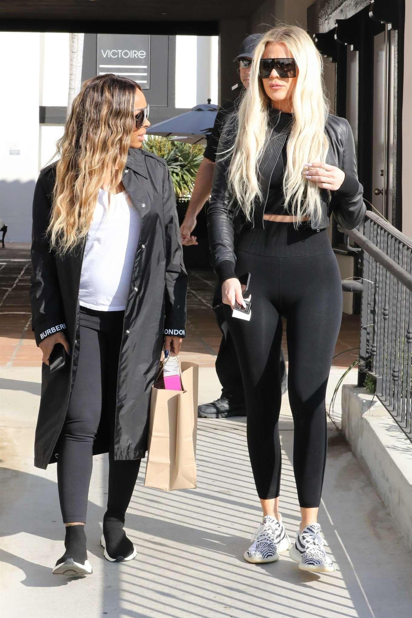Khloe Kardashian 2019 : Khloe Kardashian – Shopping at Toy Crazy at the Malibu Country Mart-01