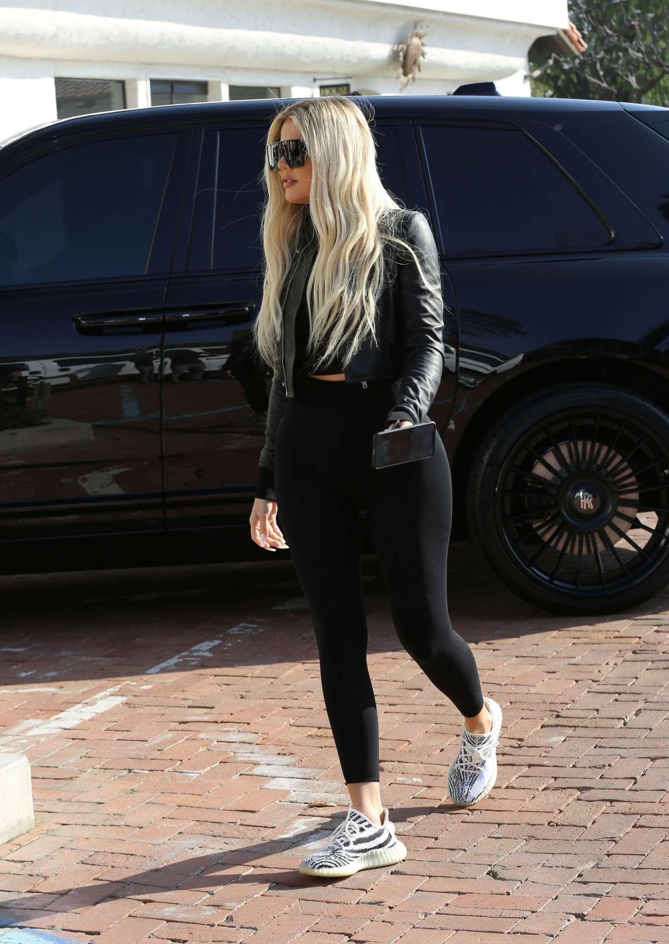Khloe Kardashian 2019 : Khloe Kardashian – Shopping at Toy Crazy at the Malibu Country Mart-07