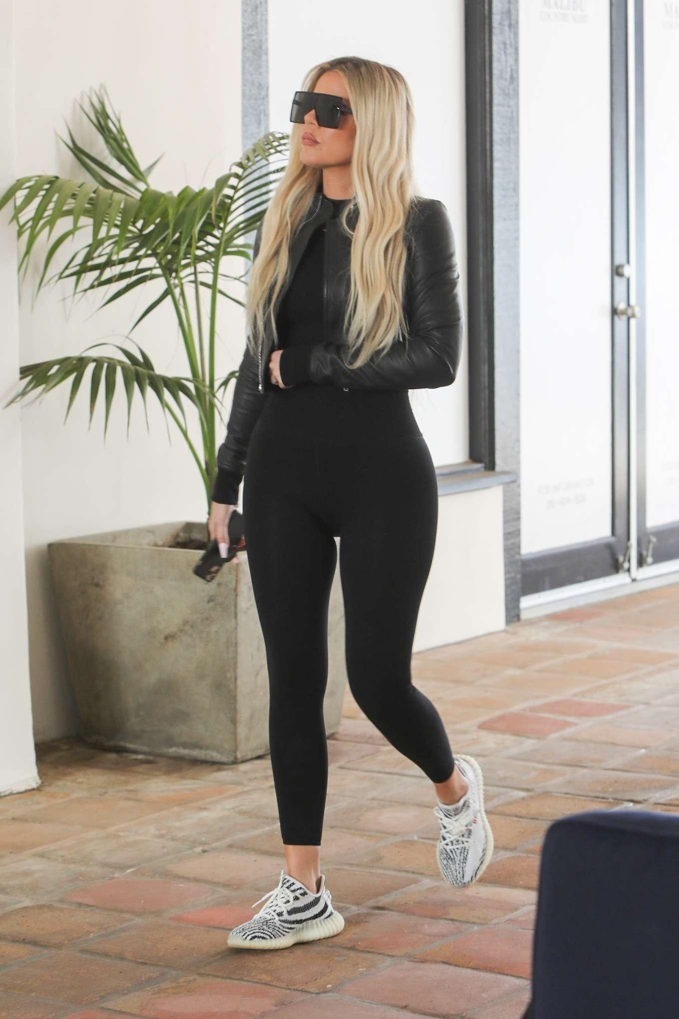 Khloe Kardashian 2019 : Khloe Kardashian – Shopping at Toy Crazy at the Malibu Country Mart-24