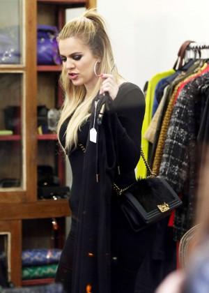 Khloe Kardashian - Shopping in Sydney