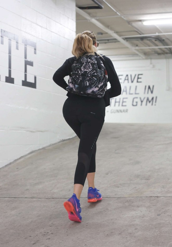 Khloe Kardashian Booty in Leggings at a gym in Beverly Hills