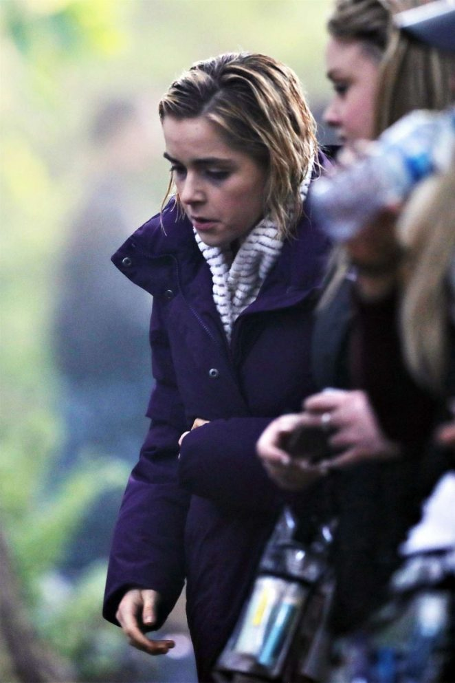 Kiernan Shipka - Filiming 'Chilling Adventures of Sabrina' in Vancouver