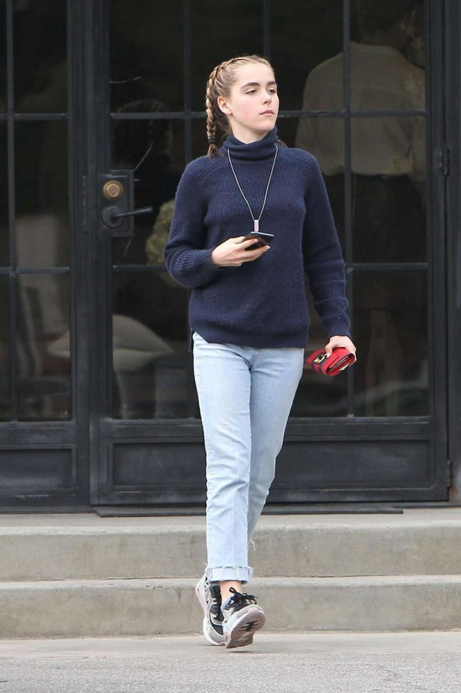 Kiernan Shipka - Heads to the hair salon in LA