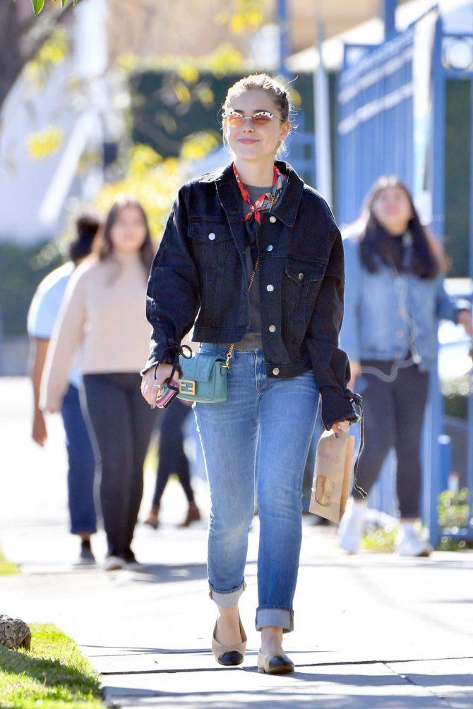 Kiernan Shipka – Out for lunch in Los Angeles
