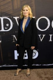 Kim Dickens - 'Deadwood' Premiere in Los Angeles
