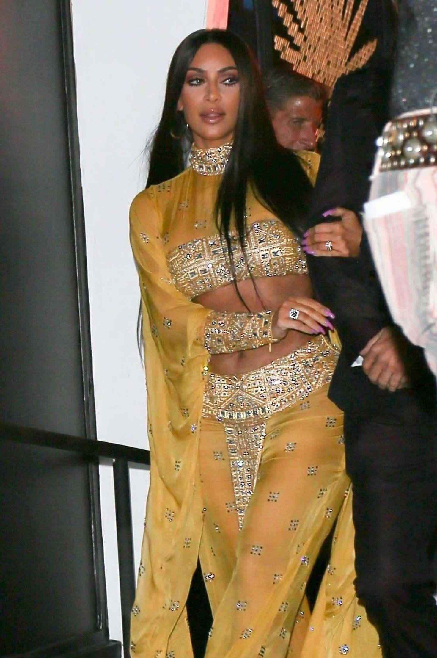 Kim Kardashian - 2017 Tequila Casamigos Annual Halloween Bash in LA