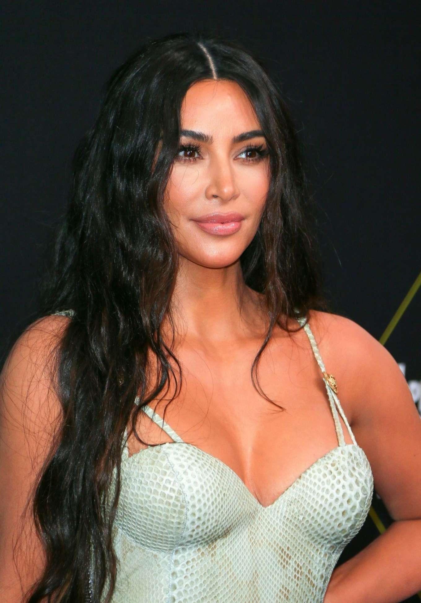 Kim Kardashian 2019 : Kim Kardashian – 2019 E! Peoples Choice Awards in Santa Monica-37