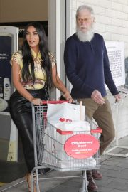 Kim Kardashian and David Letterman - Shopping candids in Calabasas