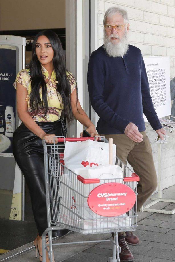 Kim Kardashian and David Letterman - Shopping candids in Calabasas