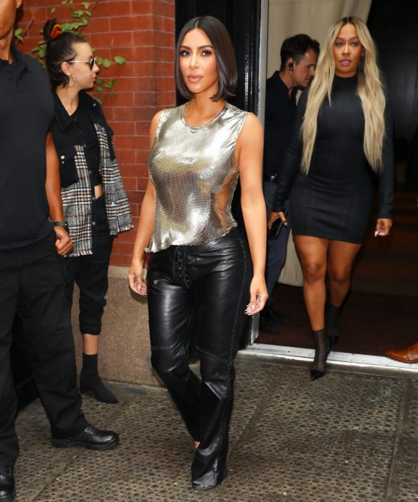 Uncategorized 2019 : Kim Kardashian arrives at a fashion show in New York during New York Fashion Week 2019-16