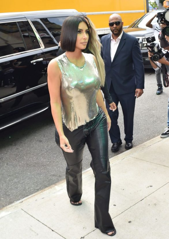 Uncategorized 2019 : Kim Kardashian arrives at a fashion show in New York during New York Fashion Week 2019-20