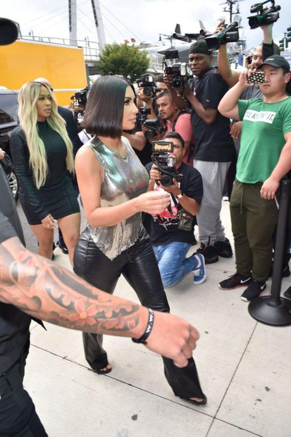 Uncategorized 2019 : Kim Kardashian arrives at a fashion show in New York during New York Fashion Week 2019-48